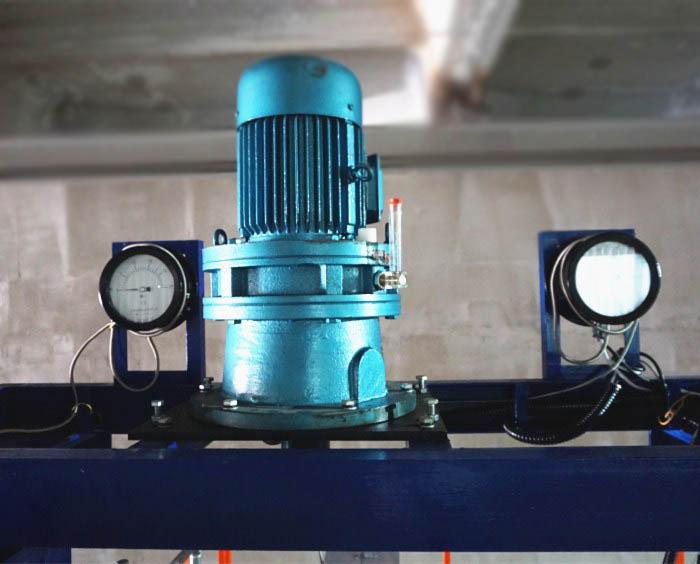 Дозирующие насосы на прядильной машине мультифиламента